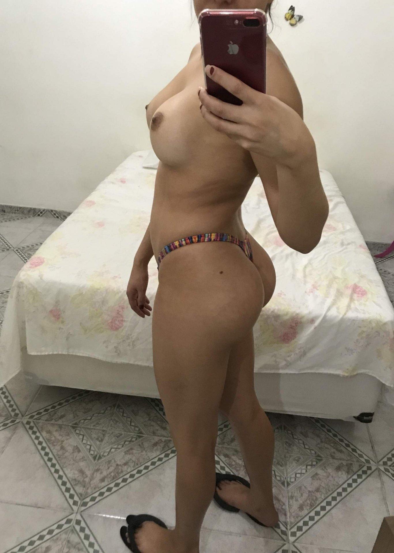Blonde Tattoofee aus Wien,Österreich
